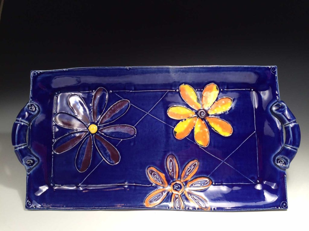 Maz-Tray-with-colorful-flowers